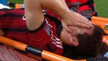 Scontro Mesbah-Destro, l'attaccante del Milan esce in barella in lacrime