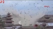 Terremoto in Nepal: arriva la scossa e centinaia di uccelli 'coprono' il cielo