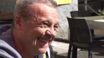 """""""Mattè mattè Garbatella aspetta a te"""", Claudio Amendola con i cittadini pronti a contestare Salvini"""