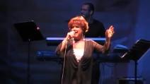 """Orietta Berti canta live """"Finché la barca va"""""""