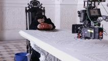 """""""Il racconto dei racconti"""": nel backstage Salma Hayek sputa il cuore del drago (ESCLUSIVA)"""