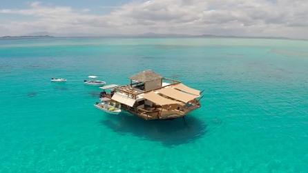 Case da sogno 10 incantevoli abitazioni in mezzo al mare for Un mezzo galleggiante