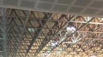 Malpensa: bomba d'acqua e crolla il soffitto dell'aeroporto