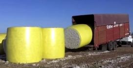 Ecco il modo più intelligente che esista per caricare questi enormi blocchi