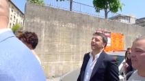 """""""Non cadere nelle provocazioni"""", Renzi vota e scherza con i cronisti su Fiorentina e Lazio"""