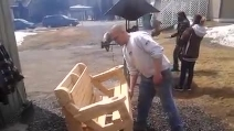 Trasforma la panchina in un tavolo in 2 secondi con un solo gesto