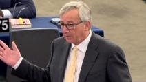 """""""Sto messaggiando con Tsipras"""" così Juncker zittisce gli Europarlamentari"""