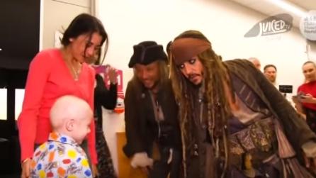 Jack Sparrow irrompe all'ospedale e compie un gesto bellissimo