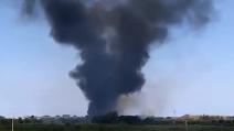 Terra dei Fuochi, vasto incendio a Giugliano
