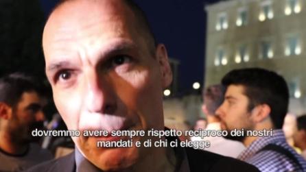 """Grecia, Varoufakis: """"Gli italiani chiedano a Renzi rispetto per la nostra democrazia"""""""