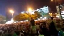 """Migliaia di persone a piazza Syntagma: Atene divisa in due tra i """"sì"""" e i """"no"""""""