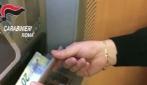 Clonavano bancomat al centro di Roma: arrestata banda di truffatori