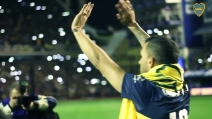 Tevez torna al Boca, ovazione per l'Apache a La Bombonera