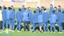 Primo allenamento per Tevez al Boca: i compagni lo salutano così