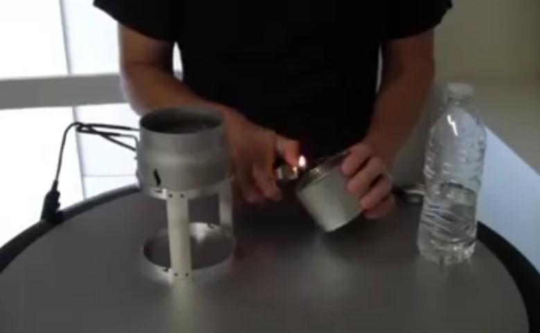 Ricarica il cellulare con una candela: incredibile!