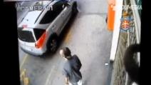 Omicidio di Asti, le immagini del killer prima del delitto
