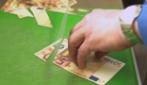 Taglia una banconota da 50 euro: le immagini a cui farai fatica a credere