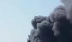 Napoli, gigantesco incendio nei pressi di Giugliano: una nube nera copre il cielo