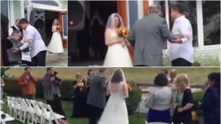 La sposa tenace si alza dalla sedia a rotelle e percorre for Fisico sedia a rotelle