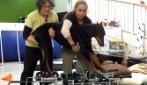 Resta paralizzato dopo un incidente: quello che fanno è un vero miracolo