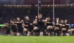 Gli All Blacks impressionano i francesi: Haka da brividi