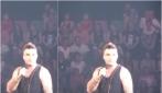 Robbie Williams ci prova con una fan ma lei ha 15 anni: la gaffe è virale