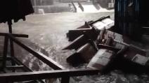 La furia dell'acqua invade le strade di Catania trascinando tutto