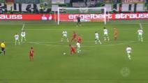 Il gioiello di Douglas Costa: un gol magnifico in Coppa di Germania