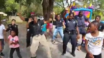 Anche i poliziotti possono imparare da un gruppo di bambini