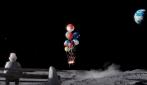 Lo spot di Natale commuove il web: neanche la Luna è troppo lontana quando si desidera qualcuno