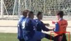 Calcio nel sedere all'arbitro: sospesa partita di seconda categoria ad Ischia