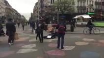 Bruxelles blindata, in strada risuonano le note emozionanti di Hallelujah