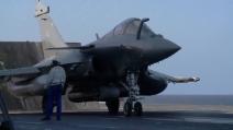 Raid francesi contro l'Isis: i caccia partono dalla portaerei Charles de Gaulle