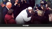 Giubileo, Papa Francesco abbraccia i fedeli a piazza di Spagna