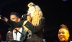 """Madonna si arrabbia con i fans: """"Chiudete la bocca, se non vi sta bene andate via"""""""