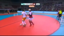 Il re del futsal Falcao contro il re del freestyle Garnier: chi avrà la meglio?