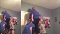 Le cheerleader non dovrebbero mai fare acrobazie in casa