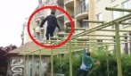 Per filmare uno stuntman all'opera ci vuole un altro stuntman: il risultato finale è favoloso
