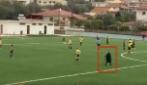 La thug life della nonnina: ecco cosa fa durante una partita di calcio