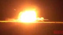 Spaventoso incidente aereo, il velivolo va fuori pista ed esplode