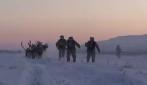 Russia, temperatura a meno 30 gradi: slitte con renne per le esercitazioni dei soldati