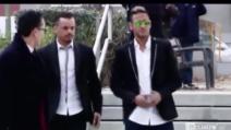 Neymar in tribunale per il processo: selfie e autografi ai tifosi