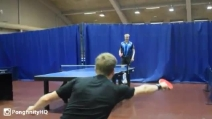 Genio del ping pong, il punto sembra perso ma si inventa un colpo eccezionale