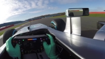 Formula 1, la nuova Mercedes è pronta per la stagione 2016