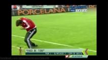 Grecia, colpiscono l'allenatore avversario alla schiena