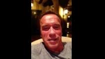 """Schwarzenegger sostiene Stallone: """"Sei tu il migliore"""""""