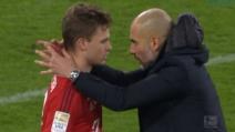 """Il Bayern non vince e Guardiola """"striglia"""" il giovane Kimmich a fine partita"""