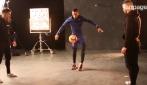 Hamilton mostra le sue abilità con il pallone: come se la cava?