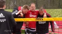Infortunio per Frank de Boer, il tecnico dell'Ajax si fa male in allenamento