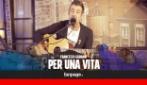 Francesco Gabbani canta 'Per una vita' a Fanpage Town